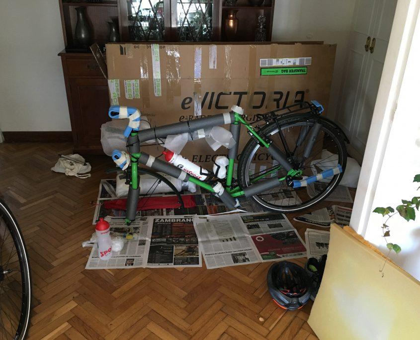 Christof Nordmeiers Fahrrad vor dem Start der ersten Etappe in Brasilien