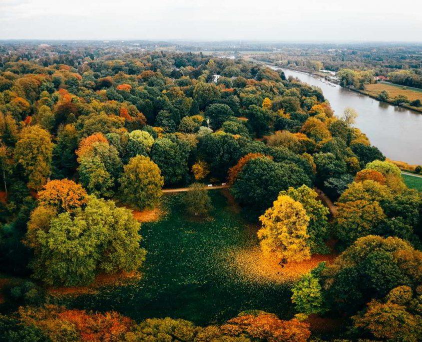 Luftbild Knoops Park in Bremen Lesum im Herbst
